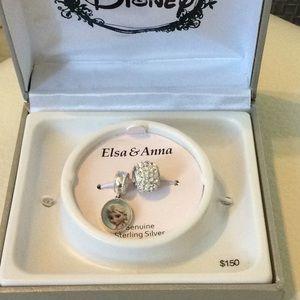 Frozen Crystal Reversible Elsa & Anna Charm Bead